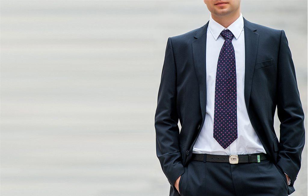 Короткий галстук