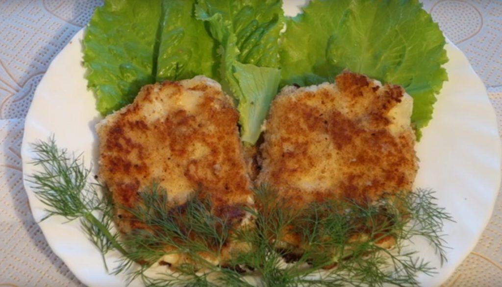 Шницель с сыром и капустой