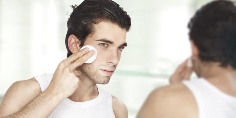 Уход за жирной обезвоженной кожей лица после 30