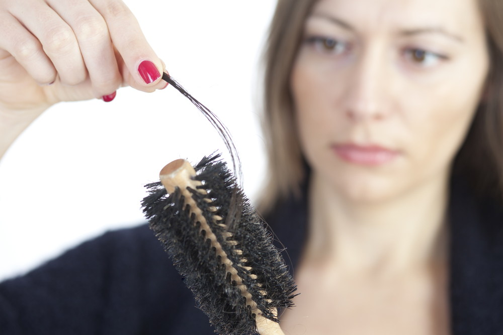 Выпадают волосы после родов что делать при грудном вскармливании -возможные причины